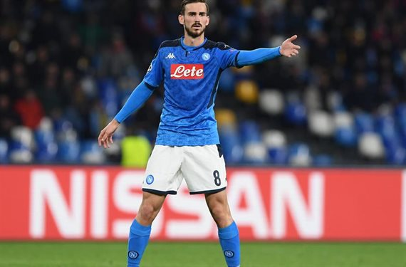Simeone adelanta a Florentino y se hace con el jugador
