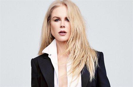 ¡Nunca tiene suficiente! Nicole Kidman lo intenta con tres a la vez