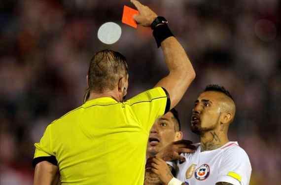 A la Selección Chilena de Futbol no le sale una bien