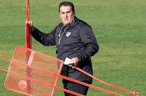 La ex estrella de la Liga que sustituye a Sandoval en el Rayo