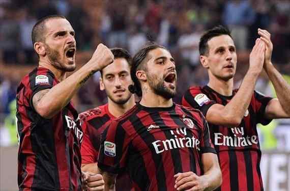 Milan y Napoli contestan a Juve e Inter