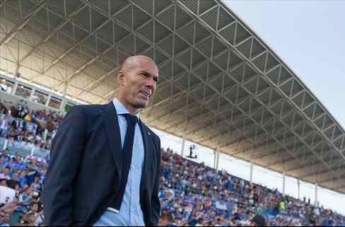 ¡Pillados! La rajada en el vestuario del Real Madrid que abre una guerra (Zidane, señalado)