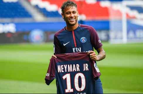 La cláusula en el contrato de Neymar que desata los celos de Messi