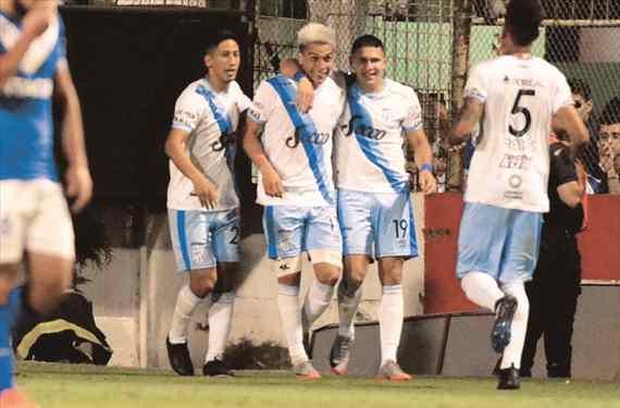 Lucchetti se sacó un 10 y Atlético Tucumán es semifinalista de la Copa Argentina