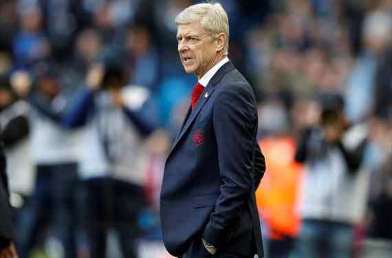 Uno por el otro: el cambio de cromos que Arsène Wenger le propone al Barça
