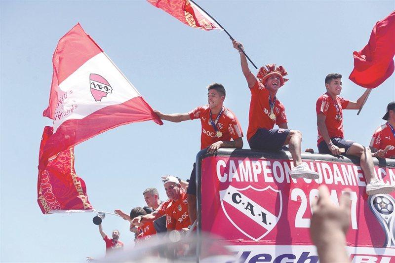 Desde el Aeroparque hasta Avellaneda, todo se tiñó de Rojo