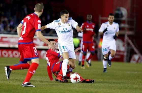 Florentino Pérez acelera un fichaje relámpago que revienta el Numancia - Real Madrid (¡Vaya tela!)