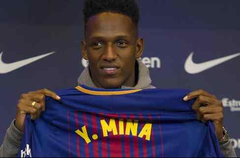 El central TOP que el Barça rechazó antes de cerrar el fichaje de Yerri Mina (y el Madrid lo quiere)