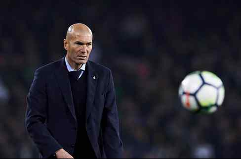 Zidane le cuenta a Florentino Pérez qué dos jugadores del Real Madrid le han pedido irse en verano