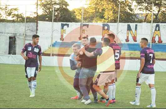 Brutal agresión a Luis Ventura