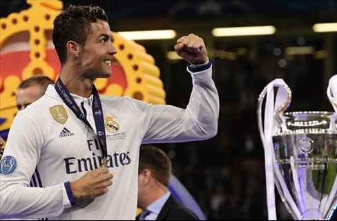 Cristiano Ronaldo se la lía a Messi con el sorteo de Champions: ¡Ojo al mensaje!