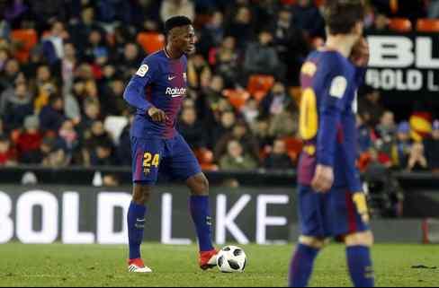 Las cinco ofertas que tiene Yerry Mina para salir del Barça en verano