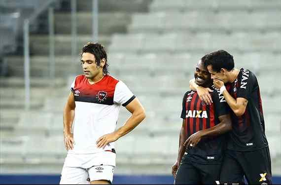 Newell´s la pasó muy mal en Brasil y cayó sin atenuantes ante Atlético Paranaense
