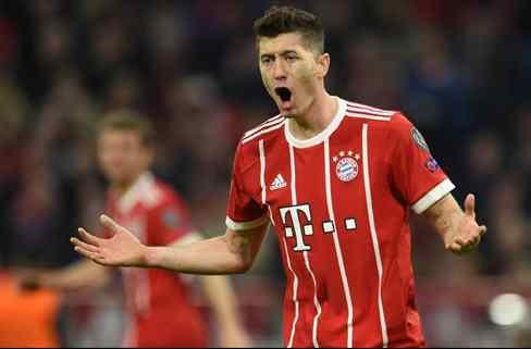 Se lo roba en la cara: el futuro de Lewandowski se aleja del Madrid (y Florentino Pérez alucina)