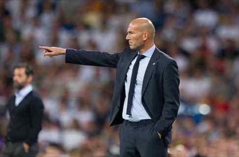 Zidane, muy atento a un protagonista del Atlético-Olympique de Marsella (y no es Griezmann)