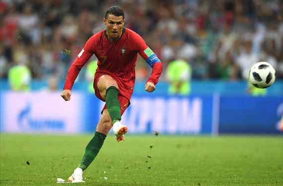 Cristiano Ronaldo avisa a Florentino Pérez: la oferta que le convence para dejar el Real Madrid