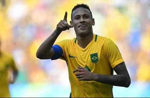 Neymar la lía en el vestuario de Brasil tras la eliminación de México: ojo al recado a Messi