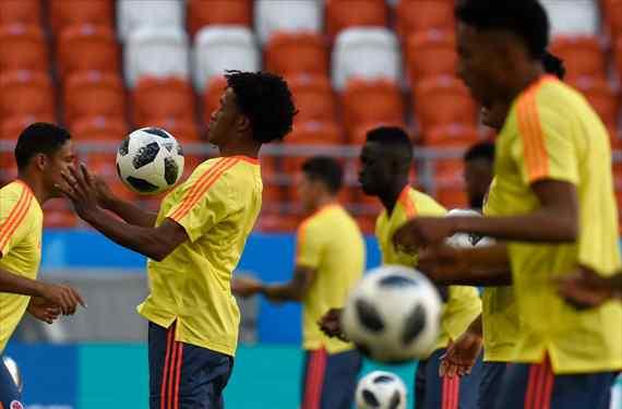 """El crack colombiano que se ha ofrecido al Barça de Messi después del """"no"""" del Madrid (y es barato)"""