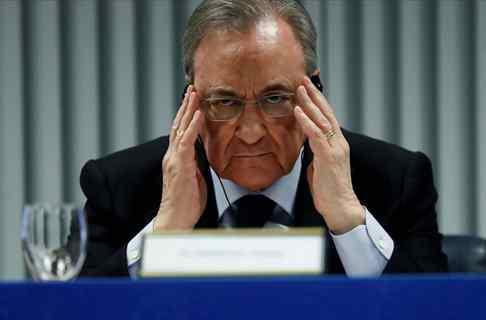 Florentino Pérez tiene un problema con un crack del Real Madrid: ¡no se quiere ir!