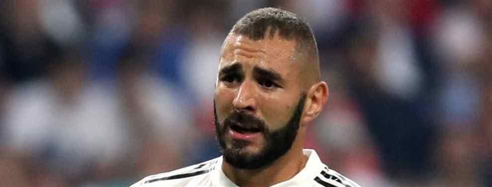 El futuro de Benzema es un tema recurrente. Protagonista de varias campañas mediocres, la temporada pasada Karim tocó fondo. Sus malas actuaciones llevaron a Florentino Pérez a colocarlo en el mercado, pero Zidane se cerraba en ba