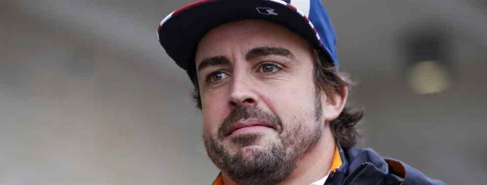 Fernando Alonso era un polvorín en Austin. El piloto de McLaren no duró ni una vuelta en el GP de EEUU y montó el show sólo llegar al box.  Alonso lanzó los guantes y mostró su malestar antes de despacharse a gusto