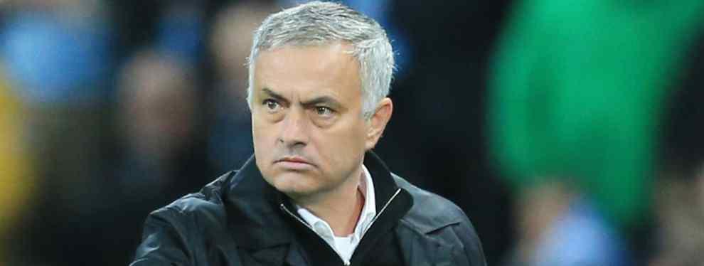 Mourinho notifica el despido a dos jugadores (y una estrella) del Manchester United