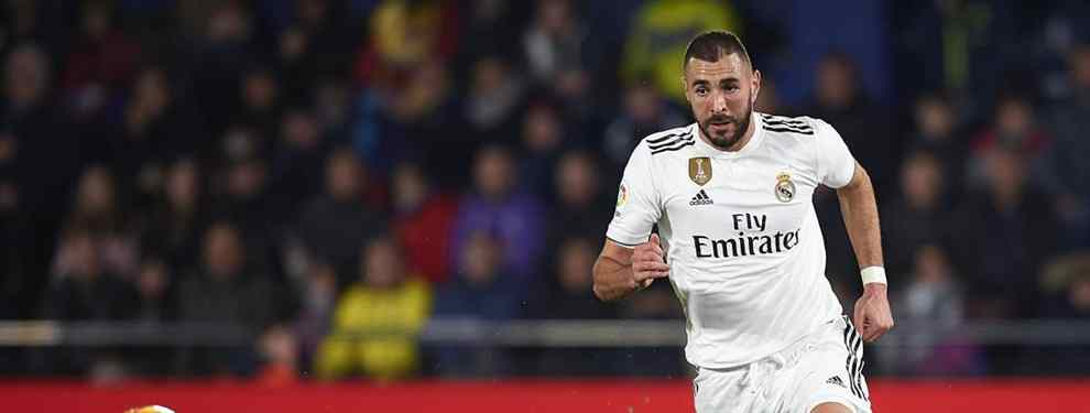 Inexplicablemente la temporada del Real Madrid está transcurriendo sin que tengan la presencia de un atacante que acostumbre a concretar una gran cantidad de goles.