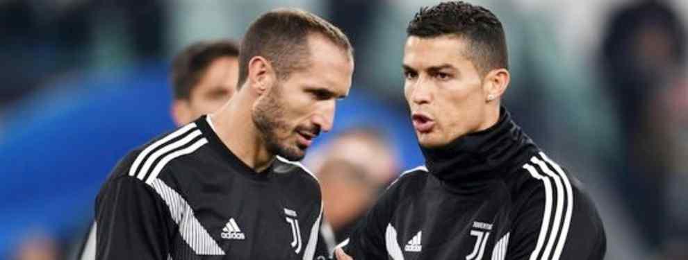 En silencio. El Real Madrid huye de los nombres más galácticos para buscar entre los grandísimos jugadores.  Roberto Firmino se ha convertido en el hombre gol de Brasil y el Liverpool y cada vez son más los que lo comparan