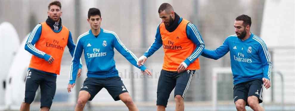 Karim Benzema tiene pie y medio fuera del Real Madrid. El francés vive sus últimos meses como jugador blanco, mientras que Florentino Pérez ya le busca sustituto.