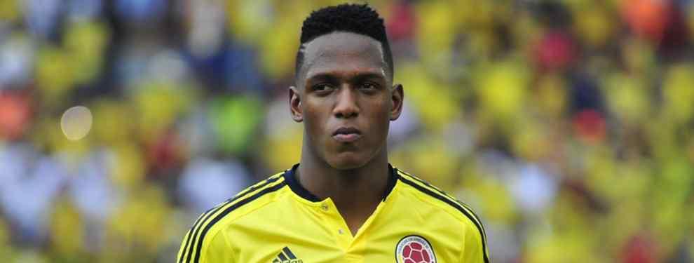 Cara a cara entre Yerry Mina y Marco Silva. El central colombiano mostró su malestar al técnico portugués tras la derrota del Everton ante el Southampton por dos goles a uno.