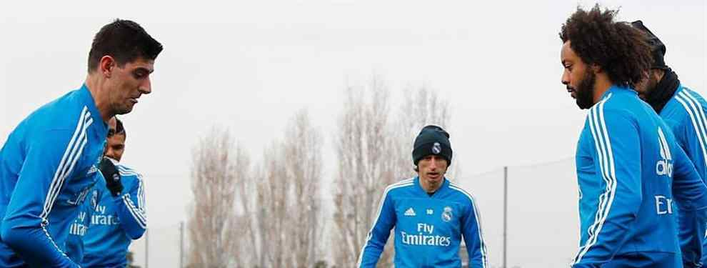 Florentino Pérez estalla la bomba. Después de valorar la larga lista de candidatos, donde estaban Klopp, Löw, Allegri o Mourinho, el presidente ha decidido quién dirigirá al Real Madrid el año que viene: Solari.
