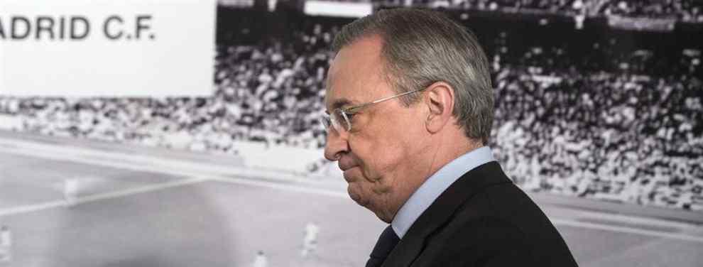 Con la cruz puesta. Florentino Pérez toma decisiones.  El presidente del Real Madrid no precipitará los movimientos en el mercado de invierno.