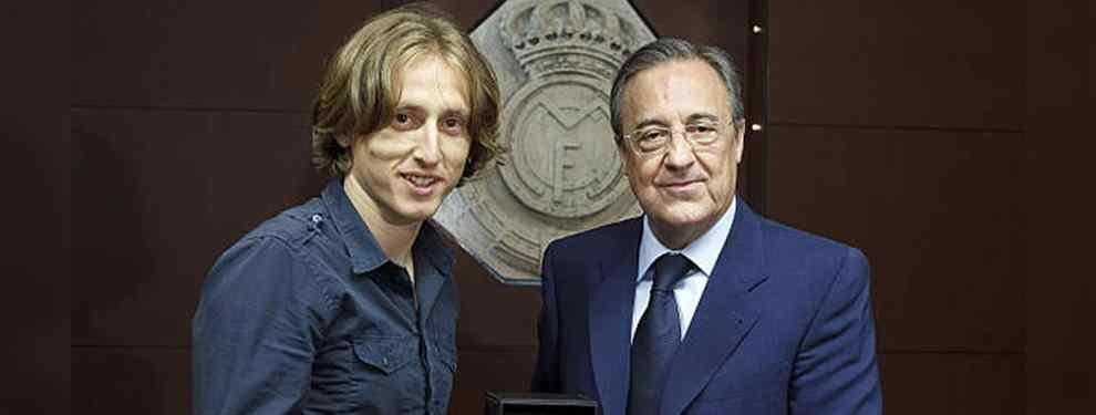 Luka Modric sigue indeciso. El croata, flamante ganador del Balón de Oro, no acaba de decidir su futuro y juega al despiste al ser cuestionado sobre si seguirá en el Real Madrid.