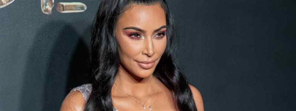 Kim Kardashian marca tendencia. Lo que toca la americana se convierte en oro para las marcas que patrocina o publicita.  El último ejemplo llega con un mini conjunto de ropa interior de la Channel que se ha convertido