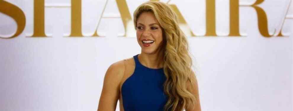 El escote de vértigo de Shakira que arrasa a Jennifer López y Kim Kardashian
