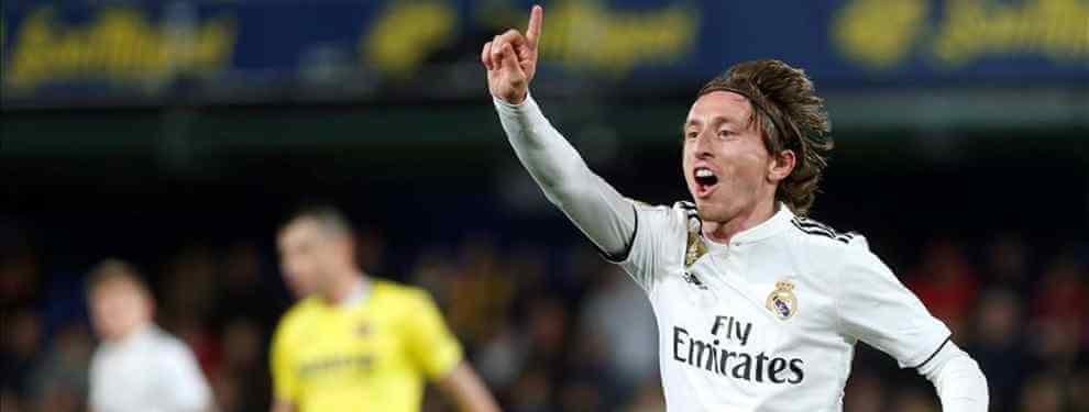 Giro radical en el futuro de Luka Modric. Cuando la mayoría de medios coincidían en señalar que los meses del '10' en el Real Madrid estaban contados, Florentino Pérez ha dado la noticia: hay un acuerdo para renovarle.