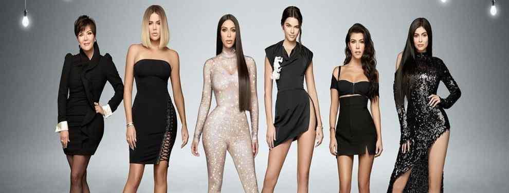 La foto más loca de las Kardashian: en ropa interior y un vestido transparente