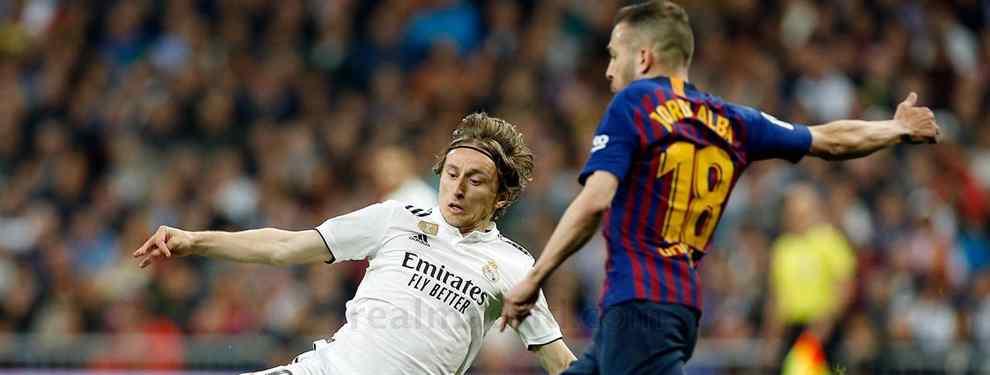 Adidas quiere un galáctico para el Real Madrid. La multinacional alemana sabe que, tras la marcha de Cristiano Ronaldo, la venta de camisetas ha caído en picado. Ya no hay estrellas en el equipo.