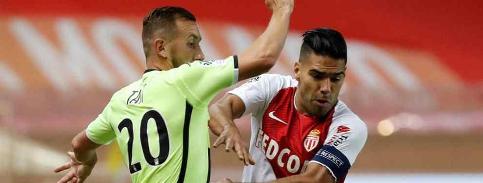 Radamel Falcao ha aprovechado el momento. Tras la eliminación del Real Madrid de la Champions League, ha recuperado una anécdota que tiene lugar el pasado enero, con el mercado abierto.