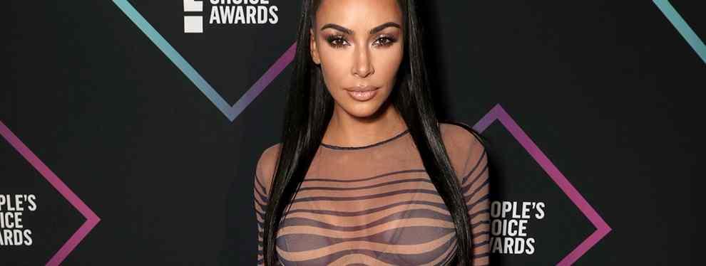 Kim Kardashian vuelve a ser noticias y lo grande. La diva americana subía la temporada de Instagram con una fotografía íntima, y sin ropa, en la que muestra una de sus últimas conquistas: un tanga de Swarovski.