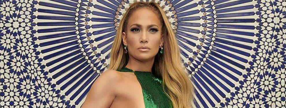 Jennifer López dinamita EEUU con un micro bikini rosa a lo Kardashian y Shakira