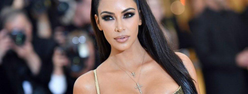 Kardashian está preparada para colmar las portadas de esta primavera-verano en las revistas más glamourosas de las celebrities y lo muestra con un espectacular bañador.
