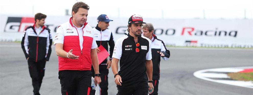 Cachondeo en las redes. Fernando Alonso podría formar 'dream team' con Carlos Sainz, pero no el hijo, el padre, un señor de 57 años, y en el Dakar de 2020 con Toyota. Y las mofas se han disparado