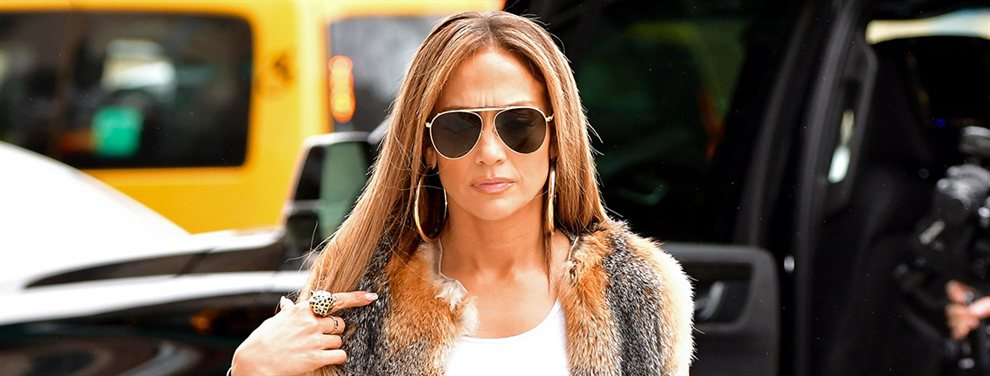 Jennifer López no deja de sorprender a sus fans.  La diva del Bronx ha vuelto a casa, a Nueva York, envuelta en los líos de infidelidad de Álex Rodríguez para grabar su nueva película, Hustlers.