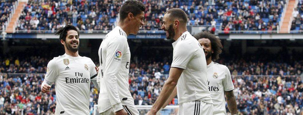 Este año ha dejado una conclusión contundente para el Real Madrid, y es que no hay reemplazo en la plantilla que pueda mantener el nivel de Sergio Ramos y Raphaël Varane. Zidane se lo ha comentado a Florentino Pérez.