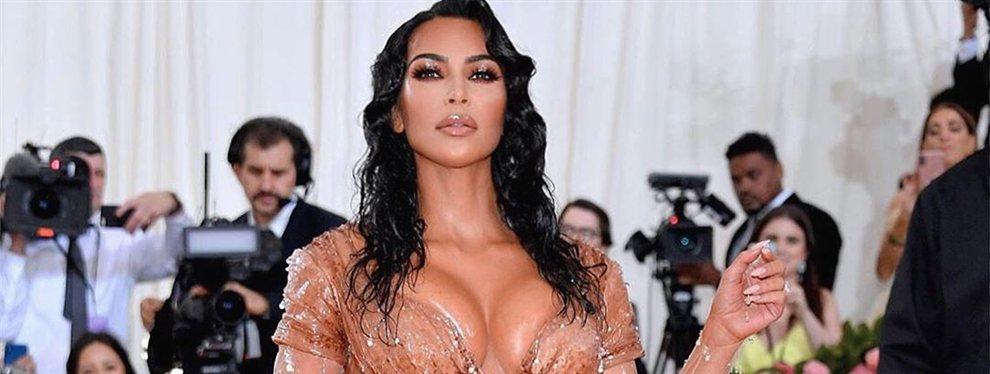 Como recién salida de las aguas del océano, así luce Kim Kardashian con un diseño de Thierry Mugler