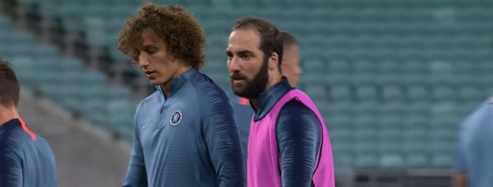 Gonzalo Higuaín protagonizó una pelea con David Luiz durante el último entrenamiento del Chelsea.