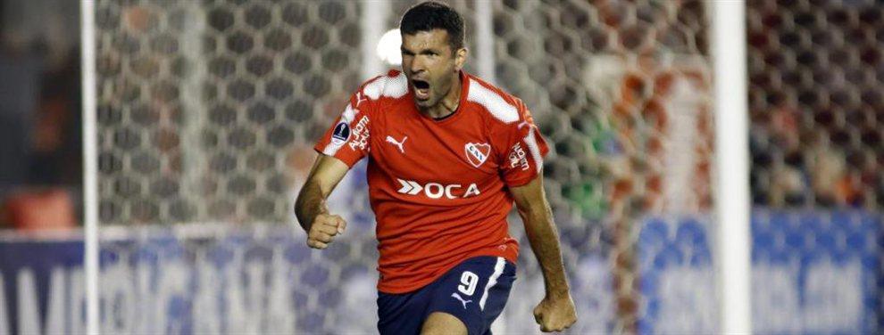 Emmanuel Gigliotti podría ser el primer refuerzo de Independiente luego de la salida de Holan.
