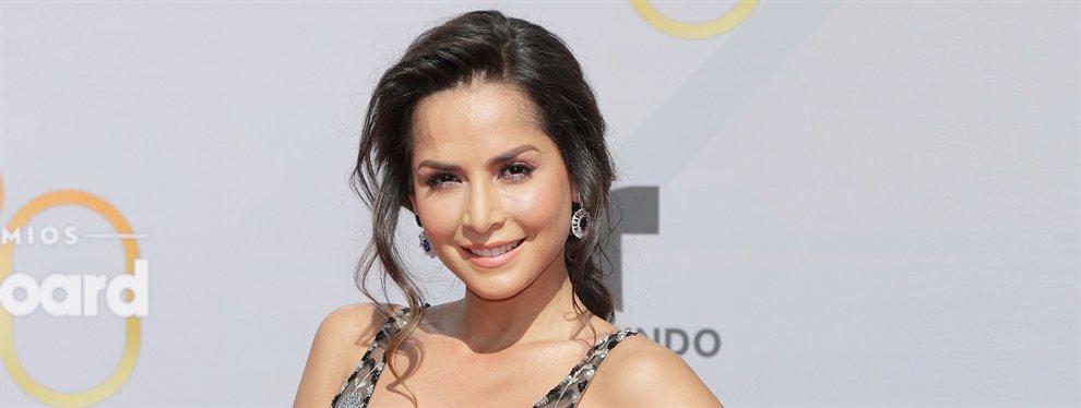 Carmen Villalobos ha entendido a la perfección el cuerpazo que tiene, dando el primer paso para usar un vestido sin ropa interior.