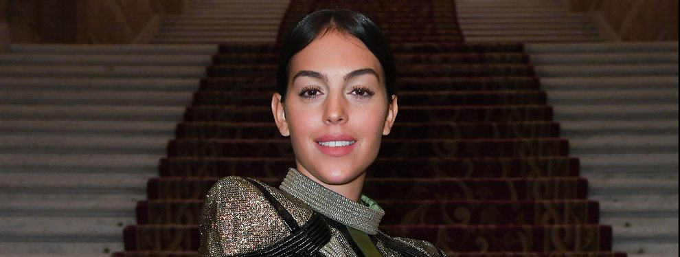 Georgina Rodríguez compartía una fotografía en la que aparece junto a un helicóptero monstruoso